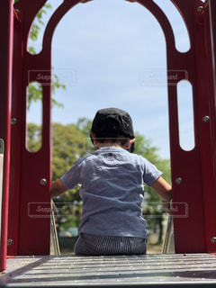 子ども,公園,夏,晴天,洋服,Tシャツ,滑り台,シャツ,2歳,キャップ,夏服,半袖