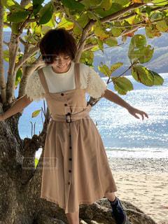 女性,風景,夏,屋外,茶色,ドレス,ふわふわ,洋服,人物,人,キラキラ,笑顔,服,コーデ,被写体,夏服