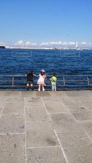 屋外,散歩,レジャー,お散歩,ライフスタイル,おでかけ,海と子供,横浜の海と子供達