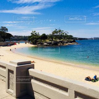 青い空と青い海。バルモラルビーチ。の写真・画像素材[2234098]