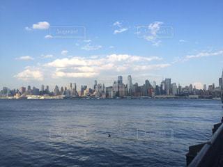 夕方近く、夏空のニューヨーク。の写真・画像素材[2413691]