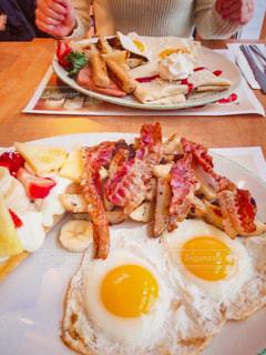 朝食専門店の朝食メニューの写真・画像素材[2483866]