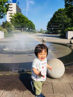 空,夏,かわいい,虹,子供,洋服,人物,Tシャツ,赤ちゃん,シャツ,幼児,夏服,半袖