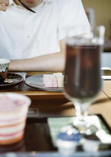 カフェ,夏,アイスコーヒー,半袖