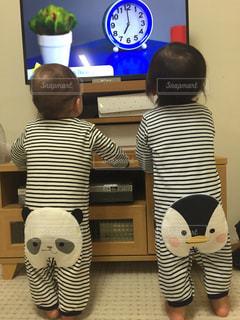 子ども,後ろ姿,双子,パジャマ,おしり,ふたご