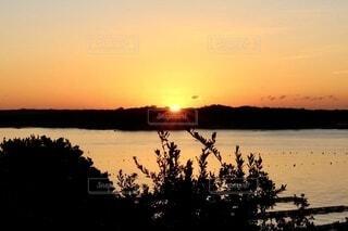 自然,風景,海,空,屋外,朝日,景色,夜明け,正月,お正月,三重,日の出,グラデーション,新年,初日の出,伊勢,伊勢志摩,志摩市