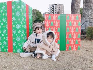 大きなクリスマスプレゼントの写真・画像素材[2845258]