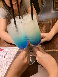 20代,グラス,ブルー,乾杯,ドリンク,女子会,ノンアルコール,4人