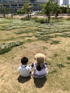 公園,花,後ろ姿,人物,背中,人,兄弟,姉妹,1歳,5歳,ショッピングモール