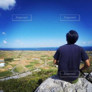 男性,自然,風景,沖縄,人物,背中,後姿,離島,頂上