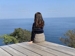 女性,自然,風景,屋外,後ろ姿,楽しい,笑顔,明るい,フォトジェニック
