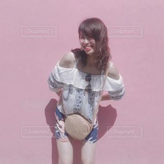 20代,ピンク,女の子,おしゃれ,ファンシー,ピンクの壁