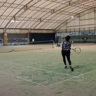 女性,スポーツ,後ろ姿,ボール,テニス,ストローク