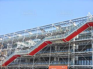 パリにあるポンピドゥーセンターの写真・画像素材[2190059]