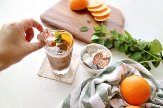 アイスオレンジキャラメルラテでおうちカフェ。の写真・画像素材[1259753]