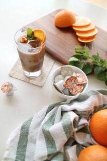 アイスオレンジキャラメルラテの写真・画像素材[1259755]