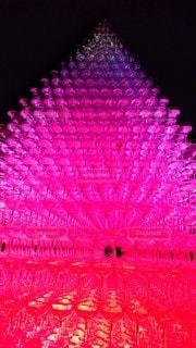 紫色の光のクローズアップの写真・画像素材[2502478]