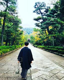 男性,秋,屋外,京都,後ろ姿,観光地,男,人物,背中,着物,人,浴衣,後姿,旅,街中