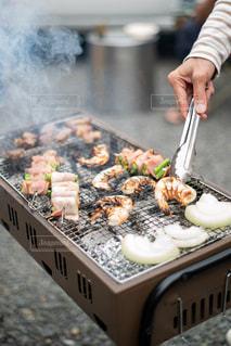 食べ物を料理する人の写真・画像素材[2710832]