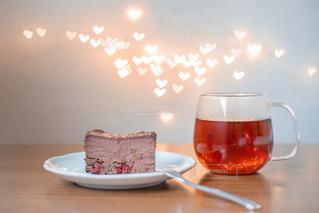 テーブルの上でコーヒーを一杯の写真・画像素材[2952550]
