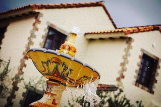 おしゃれな噴水の写真・画像素材[2127594]