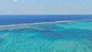 沖縄の綺麗な海の写真・画像素材[2361010]