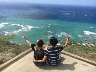 海,空,カップル,海外,晴れ,後ろ姿,人物,背中,人,後姿,旅行,ハワイ