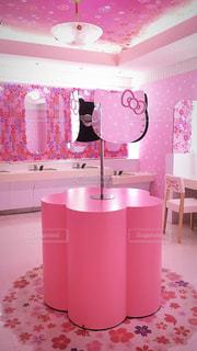 ピンク,女子,女の子,鏡,可愛い,パステルカラー,キティ,ハローキティ,おしゃれ,ファンシー