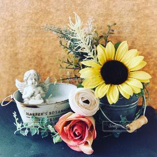 お花と天使の写真・画像素材[2146240]