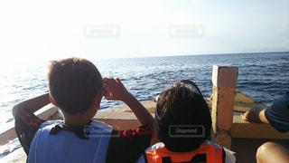 海,後ろ姿,船,子供,人物,背中,人,兄妹,天草市
