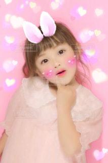 子ども,ファッション,うさぎ,ピンク,かわいい,子供,女の子,少女,人物,オシャレ,人,癒し,幼児,ポーズ,おすまし,萌