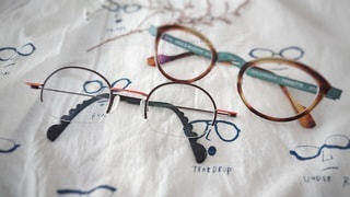 メガネ2本の写真・画像素材[2765900]