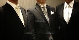 スーツとネクタイを着た男の写真・画像素材[3020161]