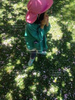お気に入りのエメラルドグリーンの靴で、遊びに来たよ!の写真・画像素材[2138018]