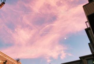 夕方のピンク空の写真・画像素材[2133594]
