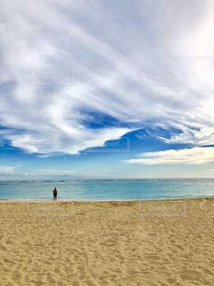 浜辺の数人の写真・画像素材[2415785]