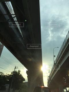 空,橋,屋外,太陽,光,高速道路,夕陽