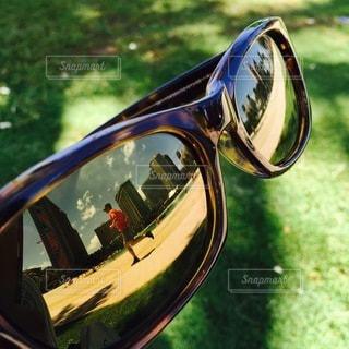 オートバイの鏡のクローズアップの写真・画像素材[3642696]