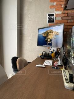 家の奥の小さなオフィスの写真・画像素材[3314626]
