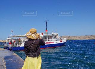 女性,1人,ボート,後ろ姿,船,人物,背中,人,後姿