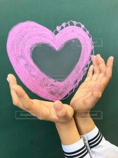 学生,ピンク,かわいい,手,ハート,黒板,教室,チョーク,セーラー服,映え