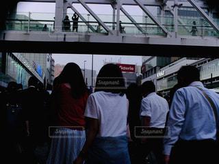 5人以上,屋外,後ろ姿,人物,後姿,トイカメラ,新宿駅