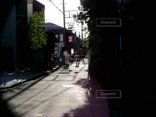 狭い通りの写真・画像素材[2301125]