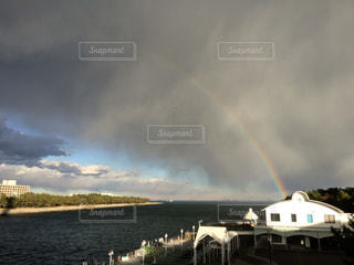 雨と晴れの間にの写真・画像素材[2433405]