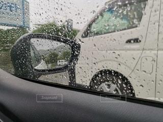 車,窓,休憩,憂鬱,サイドミラー,梅雨,ミラー,天気,雨粒,雨の日,車両,大雨,ゲリラ豪雨,サボり,営業,撥水,撥水加工,営業車