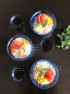 自然の色彩、夏の昼食の写真・画像素材[2357275]