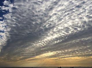 うろこ雲の写真・画像素材[2414320]