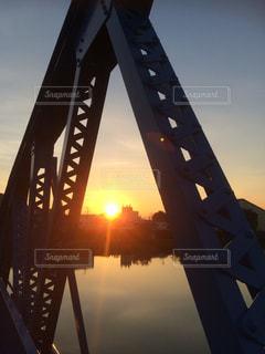夕日の中での写真・画像素材[2623280]