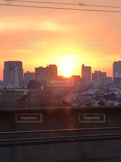 空,建物,屋外,太陽,光,都会,高層ビル,日の出,朝陽,明るい