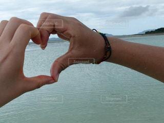 海,カップル,屋外,手,沖縄,ハート,旅行,デート,マーク